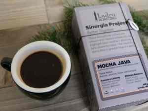 Ladro Sinergia Project Mocha Java high end, post roast coffee blend