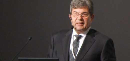 Prof. Hohmann stellte auf der FM Messe 2015 den CAFM-Trendreport 2015 vor