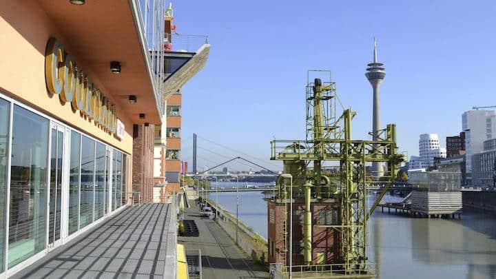 Im Düsseldorfer Medienhafen öffnet Ultimo beim Ultimo Software Solutions Kundenkongress seinen Kunden die Tür zu Industrie 4.0