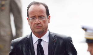 """Nuova ondata di bombe francesi sull'Isis. Hollande: """"Anche l'Europa dichiari guerra"""""""