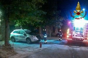 Orotelli. Quattro auto incendiate nella notte