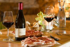 Per Natale gli italiani scelgono di mangiare italiano, addio ai prodotti  esteri