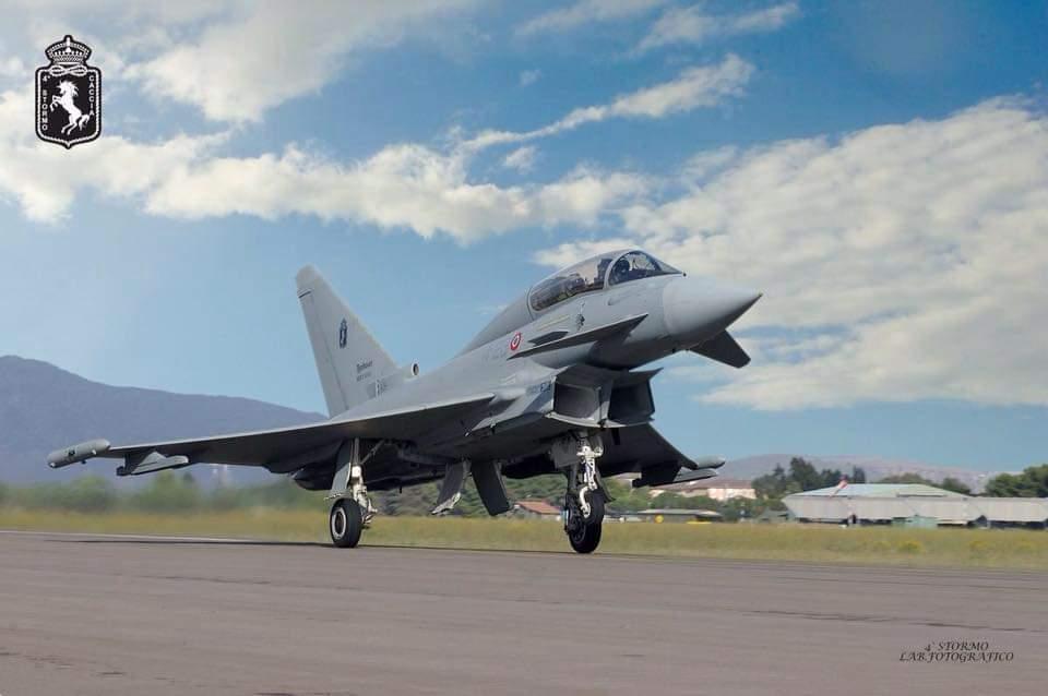 Tragedia sfiorata nei cieli della Sardegna: caccia dell'Aeronautica tunisina precipita in mare
