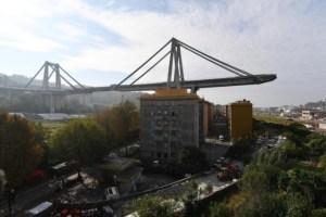 Genova. Carico perso dal tir possibile causa del crollo