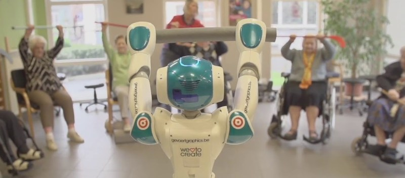 Zora-robot-salute