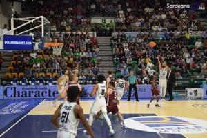Dinamo Banco di Sardegna vittoriosa sul BC Lietkabelis 79-78