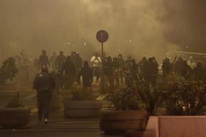 Coprifuoco Covid. Scoppia il caos a Napoli contro De Luca