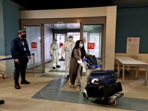 Covid, dal 15 maggio stop alla quarantena per chi arriva dai Paesi Ue