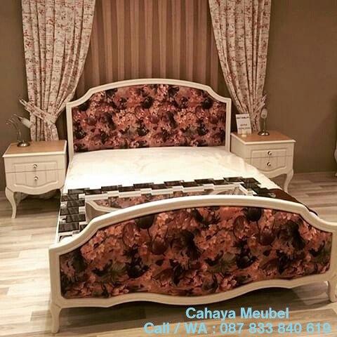 Tempat Tidur Minimalis Shabby