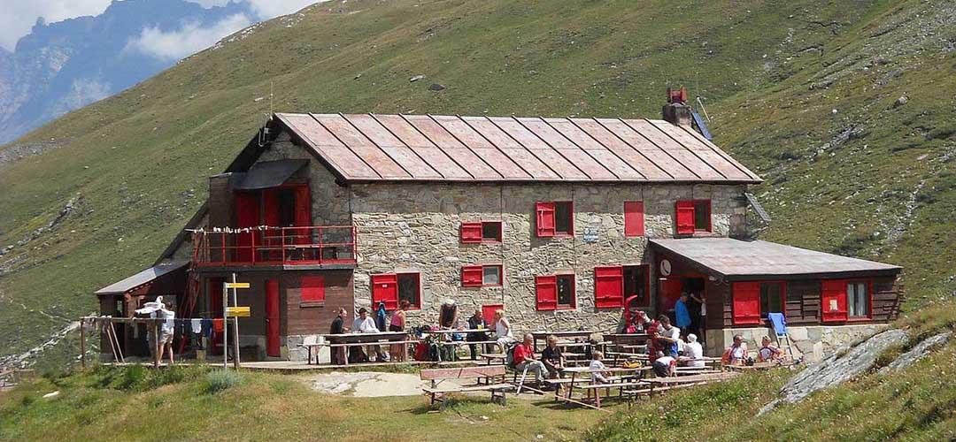 25 luglio 2018 · Rifugio Benevolo e Lago Goletta (Val di Rhemes)