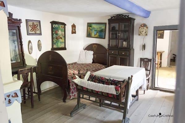 camera leagan copil muzeul satului