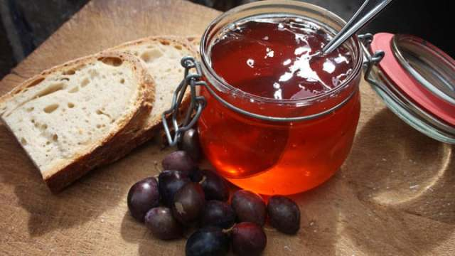 Folk recipe for Rowan Berry Jam