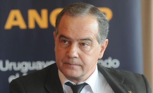 Expresidente de Ancap inició demanda penal: Alerta por sucesión de juicios de funcionarios públicos contra periodistas