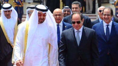 الرئيس السيسي يستقبل ولي عهد أبوظبي بمطار القاهرة