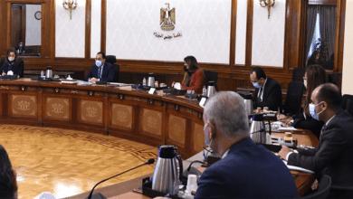 رئيس الوزراء يعقد اجتماعا لاستعراض الاستثمارات المخصصة لتطوير القرى