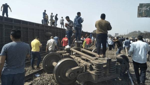 وزير النقل يتوجه إلى موقع حادث قطار طوخ