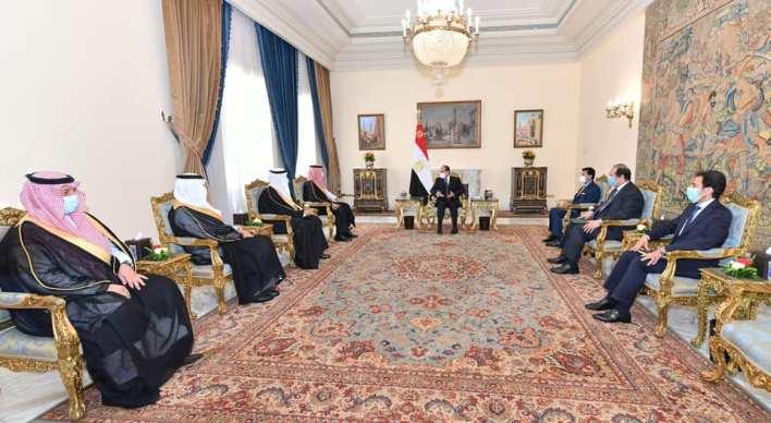 الرئيس السيسي يستقبل وزير الرياضة ورئيس اللجنة الأولمبية السعودية