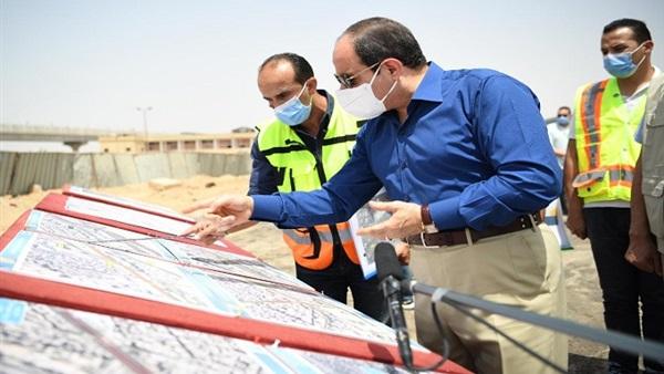 الرئيس السيسي يلتقي المواطنين خلال تفقده طرق شرق القاهرة