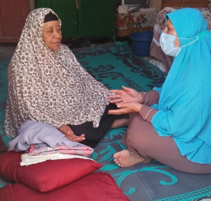 القومي للمرأة بالبحيرة يواصل طرق الأبواب لتوعية بأهمية لقاح كورونا