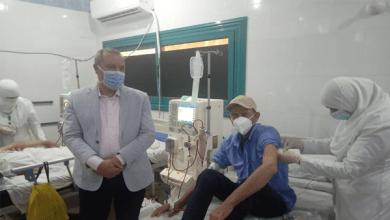 مكي يشهد تطعيم مرضى الغسيل الكلوي بلقاح كورونا بمستشفى بلقاس المركزي