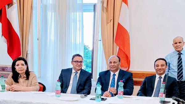السفير محمد الملا يلتقي أبناء الجالية المصرية بفيينا في لقاء غمره الحب