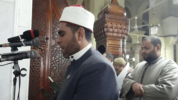 وزير الأوقاف يوجه بصرف مساعدة مالية لأسرة إمام مسجد السيدة زينب
