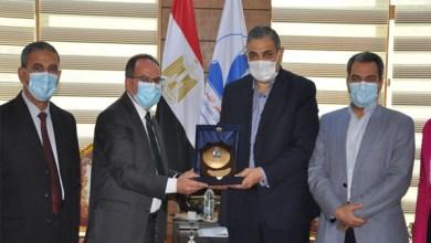 رئيس جامعة كفر الشيخ والملحق الثقافي الأردني يشهدان حفل تخريج الطلاب الوافدين
