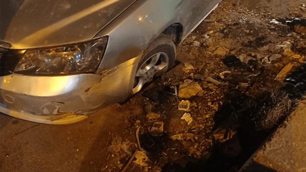 سقوط سيارات في بالوعة صرف في طنطا