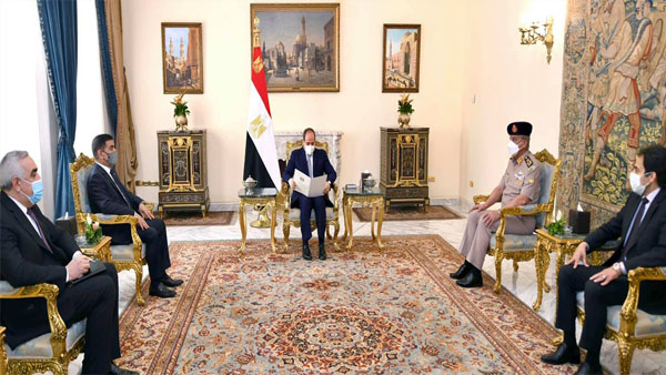 الرئيس عبد الفتاح السيسي يستقبل وزير دفاع جمهورية العراق