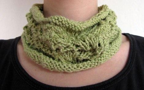 Cuello verde de punto