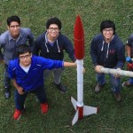 Un cohete que produce lluvia y otros inventos de estudiantes peruanos podrían perderse competencia en Francia