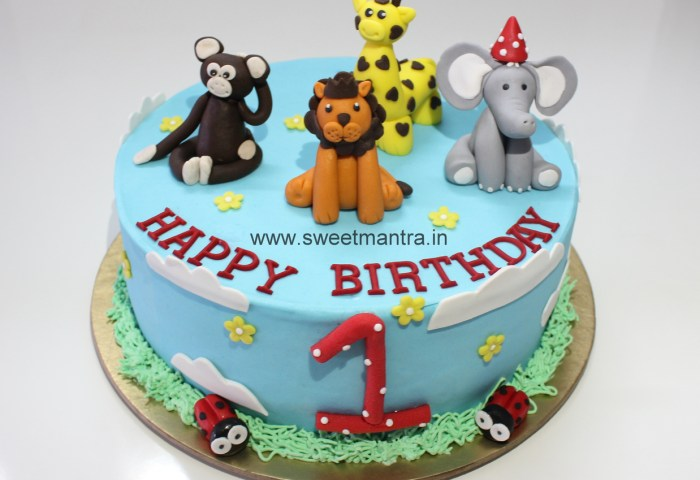1st Birthday Fresh Cream Birthday Cake Designs