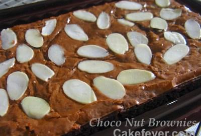 Choco Nut Brownies - Cakefever