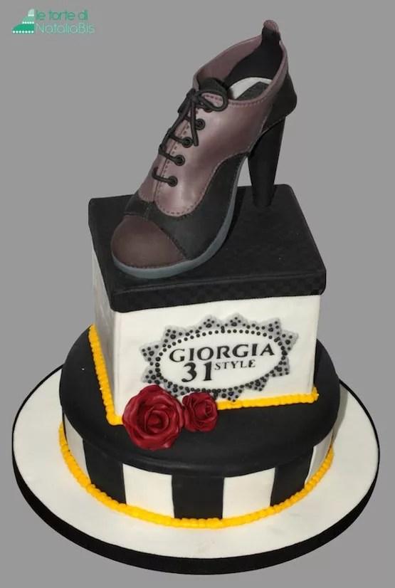 Torte decorate con scarpe in pasta di zucchero