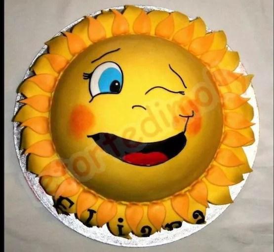 Torte decorate a forma di sole