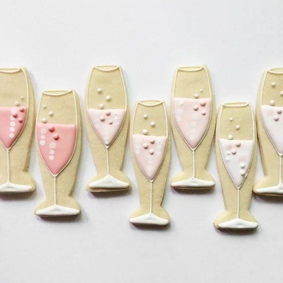 Biscotti decorati a forma di flte di Champagne