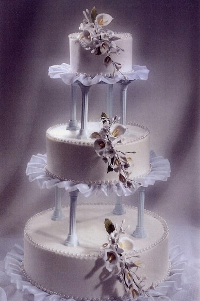 princess wedding cake photo