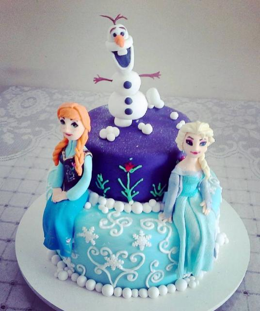 Disney Frozen Cake With Anna Elsa & Olaf On Top In 2 Tiers