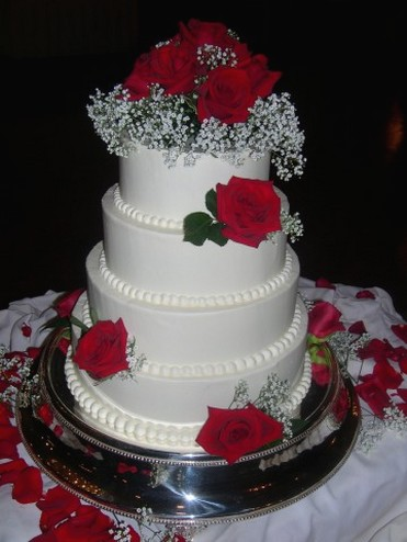 Wedding Cake With Red Roses 2 Comments