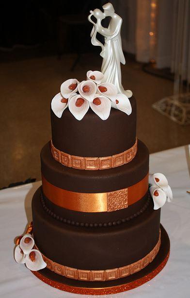 Elegant 3 Tier Round Chocolate Wedding Cake With Ivory