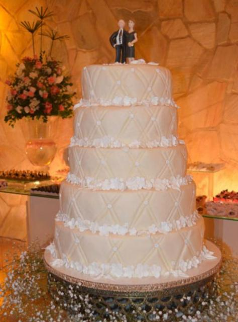 5 Tier Round Ivory Wedding Cake With Bride And Groom