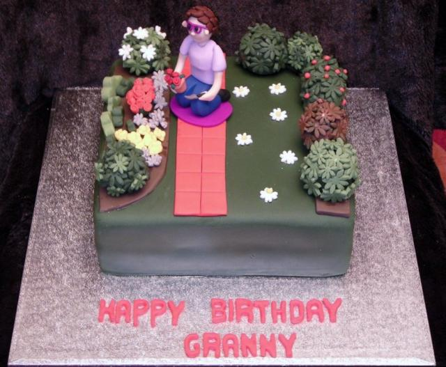 Woman working in the Garden cake for GrandmaJPG HiRes