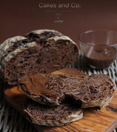 pane con cioccolato fichi e uvetta