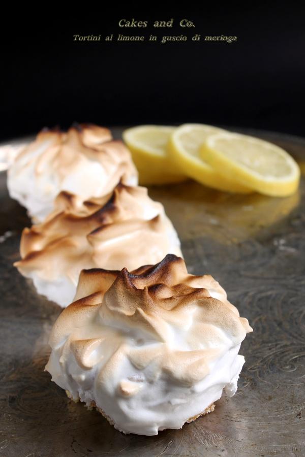 tortini al limone in guscio di meringa