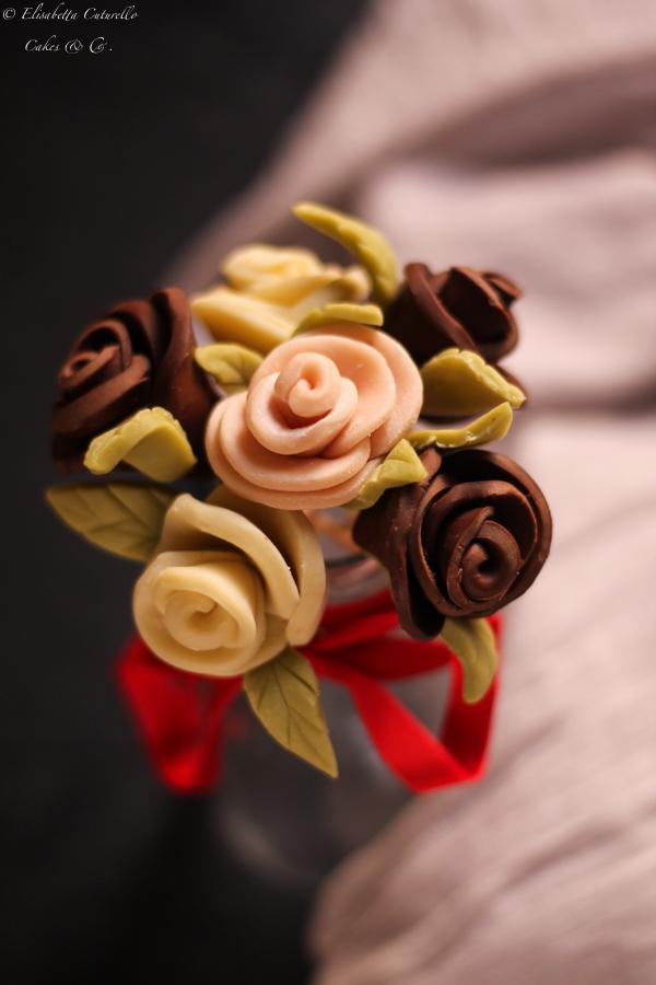 Il cioccolato plastico l'alternativa alla pasta di zucchero: rose cerchi