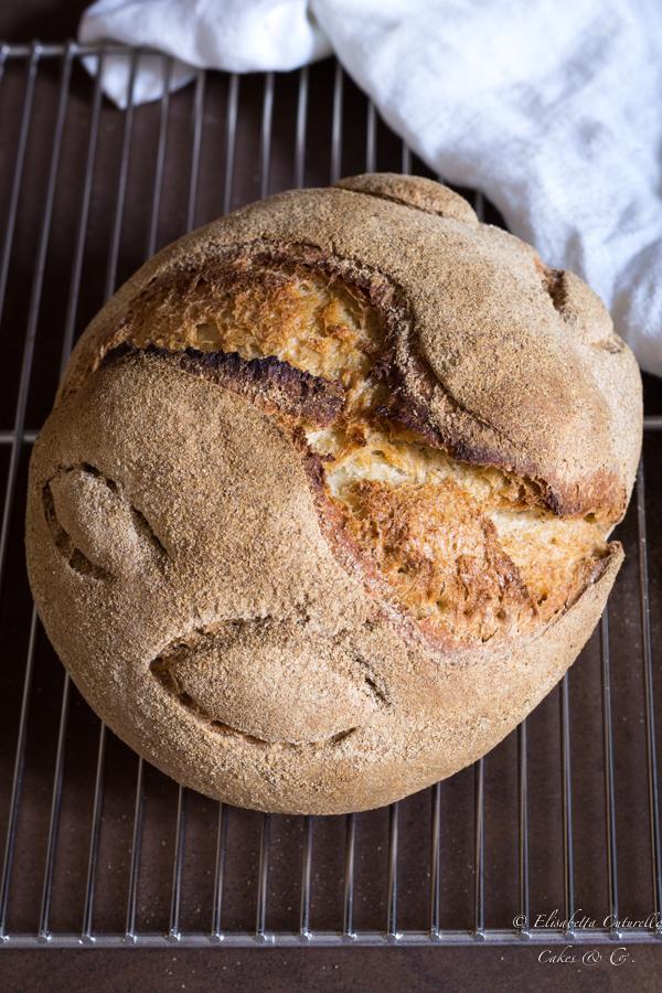 Pane semintegrale con esubero di pasta madre