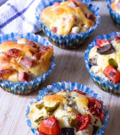 Muffins salati in due versioni al prosciutto e alla verdure
