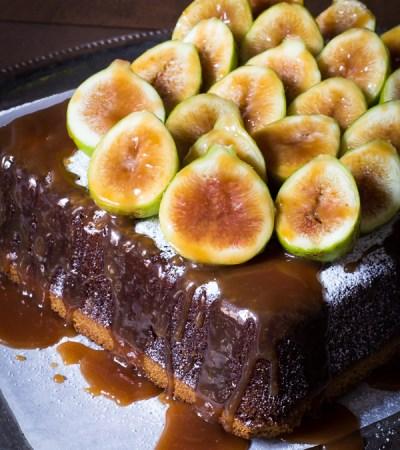 Torta allo zenzero fichi e salsa caramello