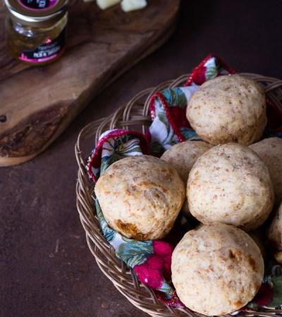 Muffins salati ripieni di confettura di fichi al tartufo e pecorino calabrese