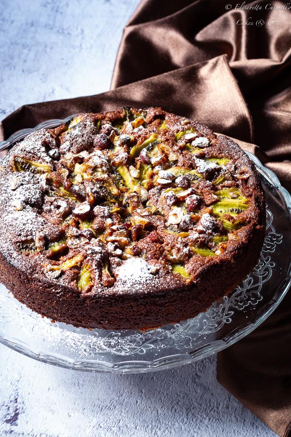 Torta all'acqua kiwi cioccolato e nocciole